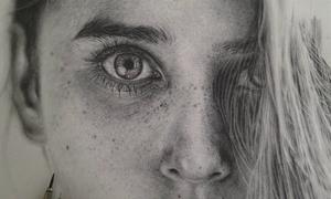 Nữ họa sĩ vẽ bút chì sống động đến khó tin