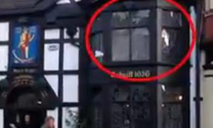 Hồn ma hiện về trong bar bị ma ám nhiều nhất nước Anh