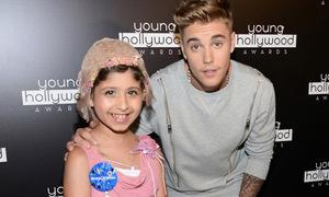 Justin Bieber đưa fan nhí lên nhận giải 'Vô địch làm từ thiện'