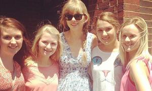 5 hành động khiến fan sướng rơn của Taylor Swift