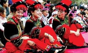 Lễ hội sờ ngực thiếu nữ Trung Quốc trong tháng cô hồn