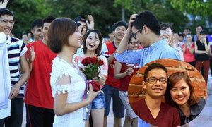 Cô bạn 9x cầu hôn người yêu ngay giữa quảng trường