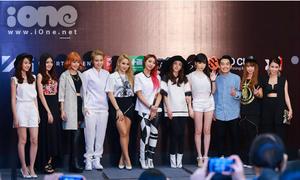 Dàn hot teen tự tin đọ dáng cùng 2NE1