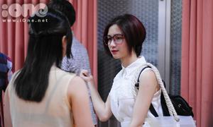 Hòa Minzy giản dị đi xem 'The X-Factor'