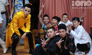 Bảo Kun hỗ trợ FB Boiz trên sân khấu X-Factor