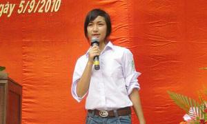 Sao Việt 24/8: Hòa Minzy bị nghi 'dao kéo' vì ảnh cũ quá khác lạ