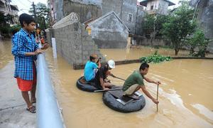 Thành phố Lạng Sơn ngập trong biển nước