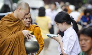Những phong tục tối kỵ khi du lịch châu Á