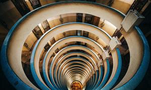 Mê cung choáng ngợp từ những tòa nhà cao ngất ở Hong Kong