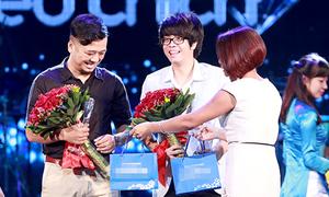 Bùi Anh Tuấn vượt Phương Mỹ Chi 2 lần giành giải 'Bài hát yêu thích'