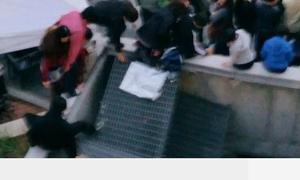 Khoảnh khắc kinh hoàng trong đêm diễn của T-ara, 4minute