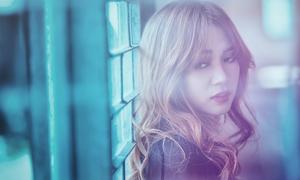 Sĩ Thanh khoe MV 'one shoot' đẹp lung linh