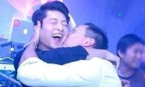 Ảnh khó đỡ nhất tuần: Harry Lu bị trai đẹp 'cưỡng hôn'
