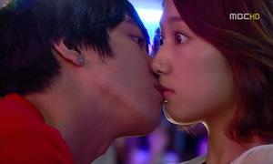 Park Shin Hye bị chê hôn dở