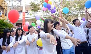 Teen Thái Phiên, chuyên Lương Thế Vinh nhảy flashmob mừng 20/11