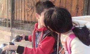 Fanpage câu like bằng ảnh học sinh cấp 2 hôn nhau