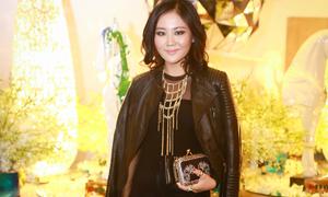 Hot or Not: Văn Mai Hương diện phong cách rock hầm hố