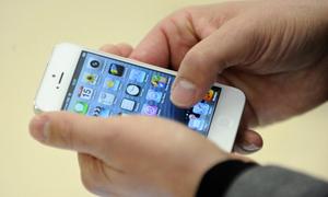 Đổ xăng đưa iPhone lừa lấy 3 triệu đồng