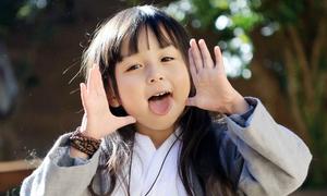 Thiên thần cổ trang 5 tuổi 'đánh cắp' trái tim dân mạng