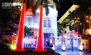 Giáng sinh siêu lung linh ở 'phố nhà giàu' Sài Gòn