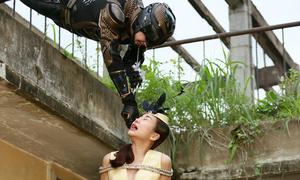 Ngô Kiến Huy biến thành siêu nhân giải cứu Thanh Hằng