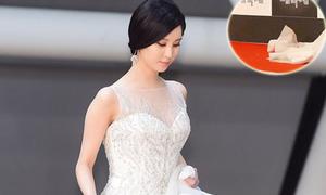 Seo Hyun rơi váy, Tao bị 'chơi xỏ' vì quá hăng trên thảm đỏ