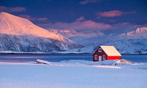 Những ngôi nhà cô độc trong tuyết trắng không dành cho FA