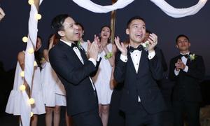 Khoảnh khắc tình cảm trong đám cưới đồng tính của NTK Adrian Anh Tuấn