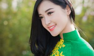 Á hậu Huyền My: 'Mong bố mẹ bớt quản lý chặt'