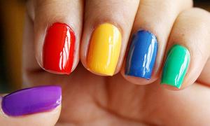Màu sơn móng tay đem đến vận may