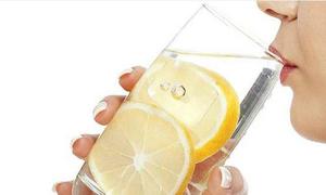 Uống nước chanh tốt hay hại cho dạ dày?