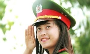 Nữ Cảnh sát hình sự tương lai xinh đẹp mê võ, 12 năm liền HSG