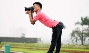 Hot nhất tuần: 'Thánh' chụp hình có dáng đứng không thể cong hơn