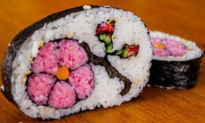 Rung đùi làm ở nhà, vẫn có sushi đẹp như ngoài hàng