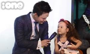 Hồng Đăng khoe con gái xinh như thiên thần khi offline với fan