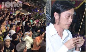 Nhiều người vỗ tay khi thấy nghệ sĩ tại đám tang Duy Nhân