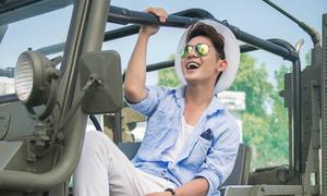 Sơn Ngọc Minh học lái xe jeep trong nửa tháng để quay MV