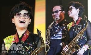 Cô bé 11 tuổi 'phiêu' saxophone cực hay cùng bố trong đêm nhạc Trịnh