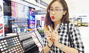 Nàng beauty blogger đình đám Hà thành sở hữu hơn 200 món mỹ phẩm