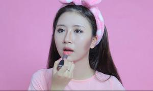 Clip: Quỳnh Anh Shyn mặt lem nhem vì trang điểm không gương