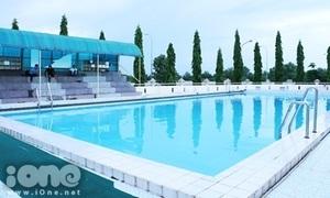 Bể bơi xanh mướt khiến teen cấp 3 Thủ Thiêm 'vênh mặt'