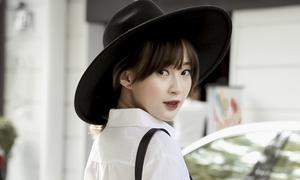 Bóc giá: Quần xanh áo trắng đơn giản mà chất như Sun Ht