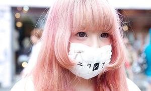 Kute kiểu giấu mặt - mốt mới của teen Nhật