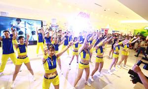 Giới trẻ Sài Gòn 'cover ' điệu nhảy Thần Tài