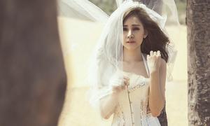 Huyền Anh tung MV chứng minh mình không bất tài