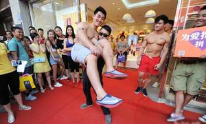 Trai xinh gái đẹp Trung Quốc thi nhau khoe thể hình chuẩn