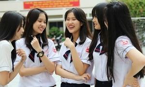 Soi đồng phục nữ của 4 trường 'không váy' tại TP HCM