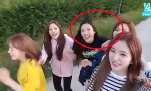 2 em út của Red Velvet bị tố hành xử vô lễ với đàn chị