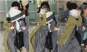 Yoon Eun Hye mặc xấu, giấu mặt sau scandal đạo thiết kế
