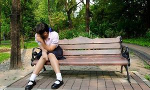 Nhật ký: Mỗi ngày đến trường, bước chân mình nặng trĩu